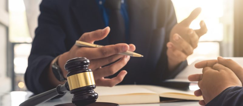 A Complete Guide to Choosing a Divorce Lawyer That Important You Pay Attention