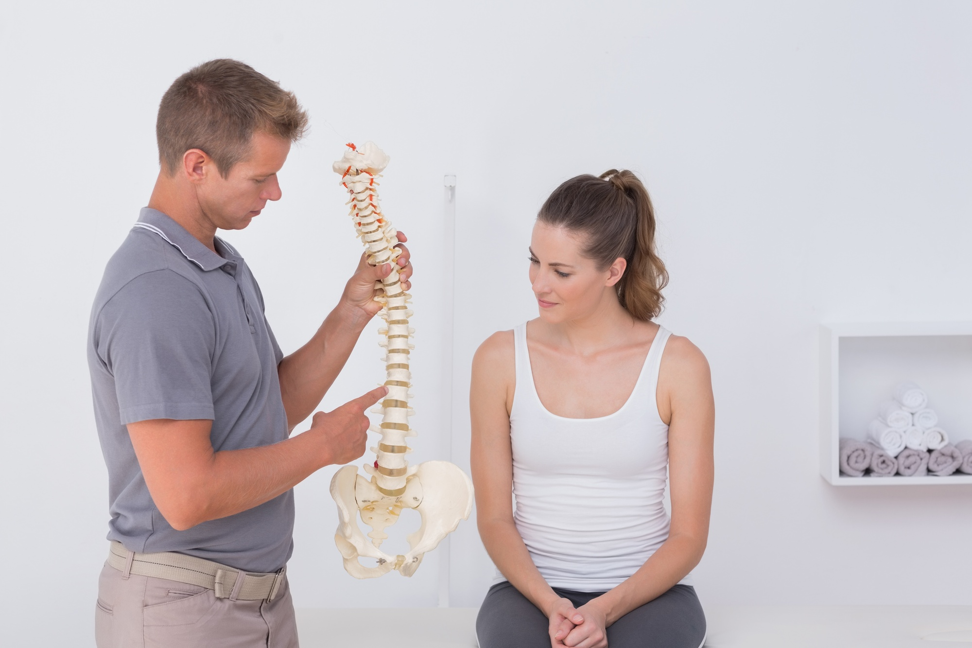 woman and chiropractor