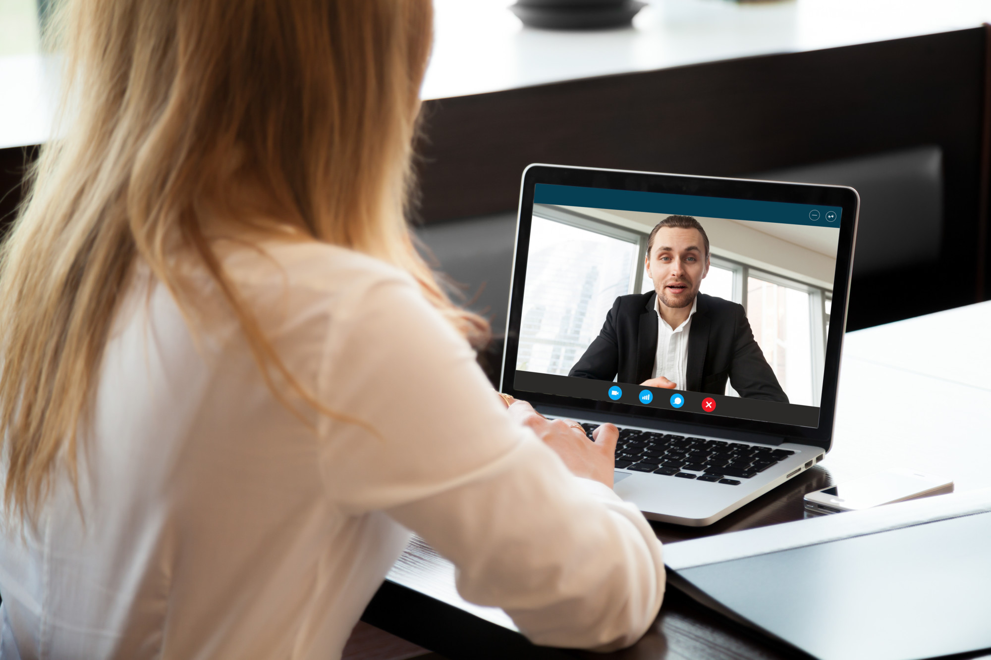Interviewing a Potential Employee Using a Recruitng Software